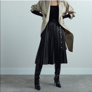 Zara Black Faux Leather Pleated Skirt Size XL